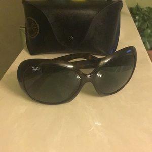 Jackie ohh II tortoise shell sunglasses.